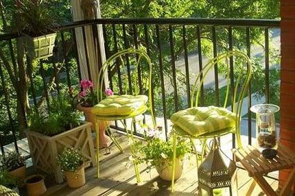 almohadones piedras lmparas velas y hasta cuadros esculturas y fotografas servirn para ponerle ucondaud a tu terraza o balcn