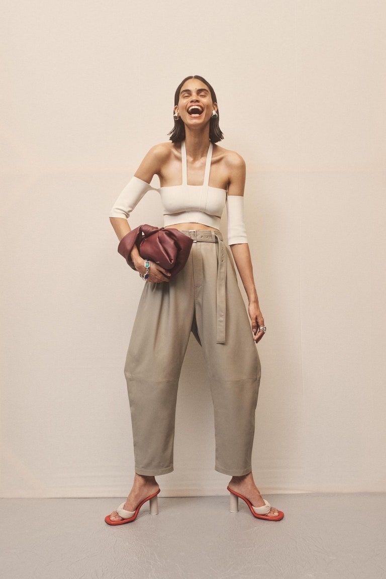 Por Que Estos Pantalones Chinos Seran Los Mas Usados De La Temporada Lucen Bien En Cualquier Tipo De Cuerpo Mdz Online