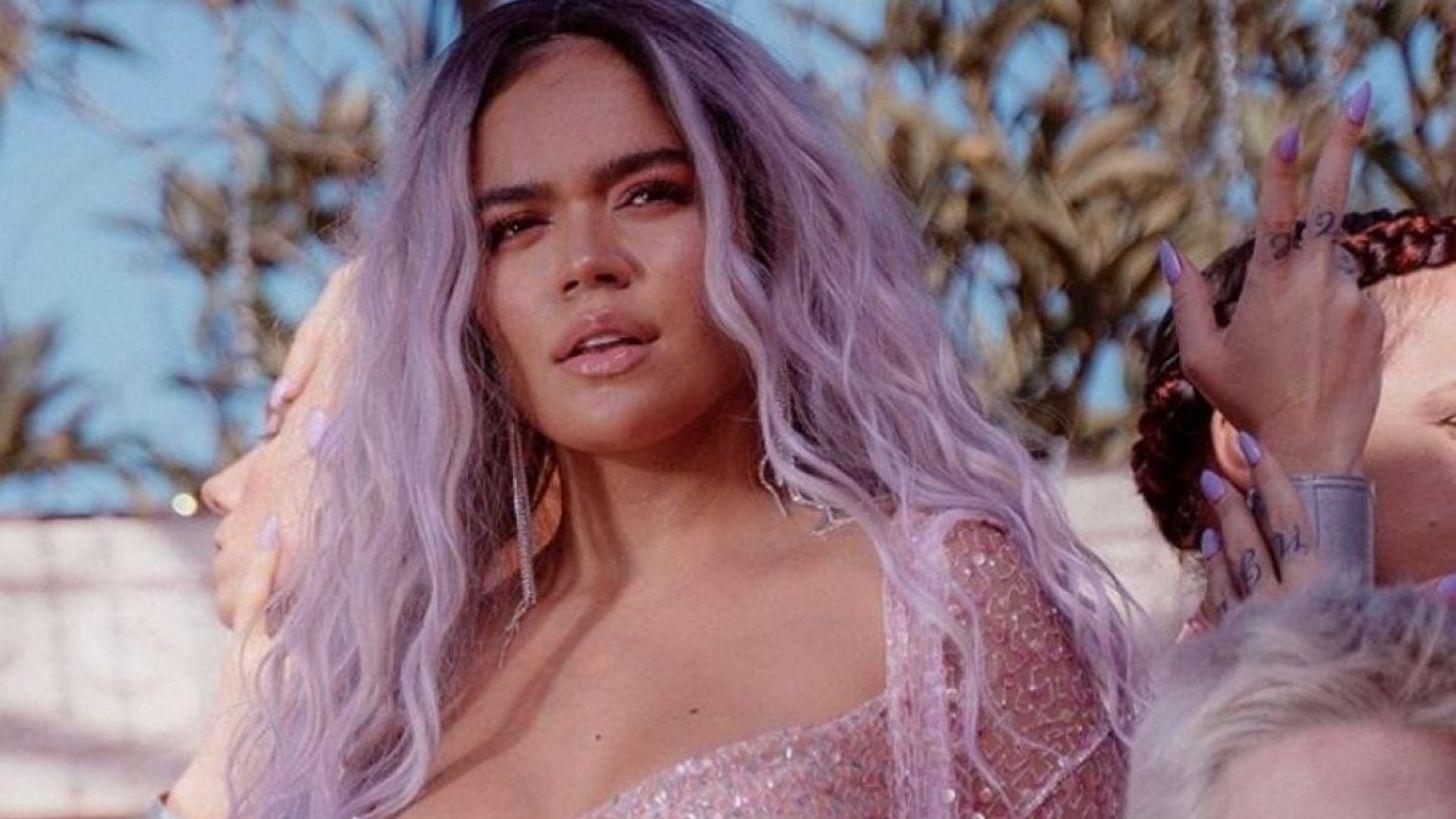 Iza surge linda exibindo cabelo esvoaçante em foto - Vogue