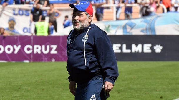 Diego Maradona habría tenido una recaída en el alcoholismo, así lo revela un médico cercano al exjugador