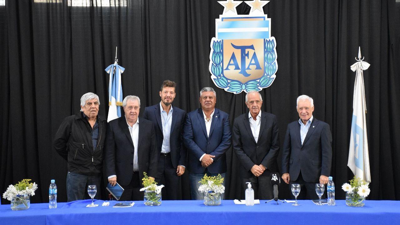 Tapia, D'Onofrio, Tinelli y una aparente unión del fútbol ...
