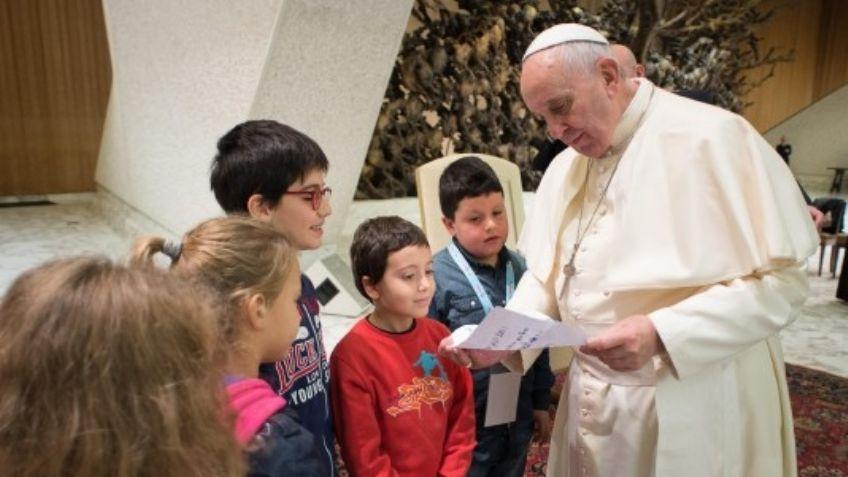 El Papa, con los niños