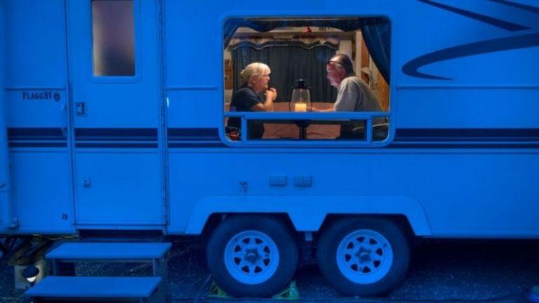 """Nomadland"""": así es la vida de las miles de personas que viven y viajan en casas  rodantes por EE.UU.   MDZ Online"""