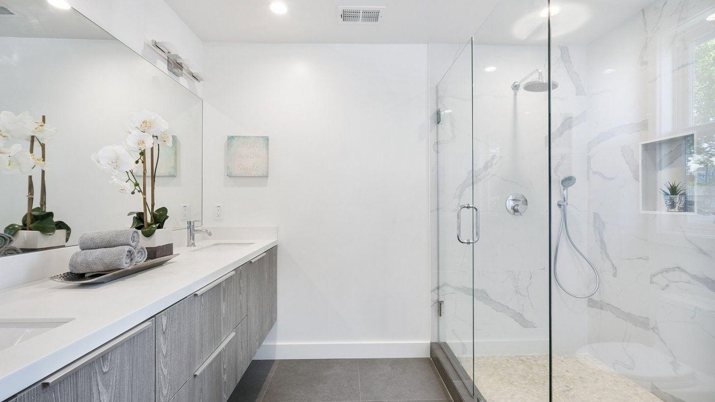 Cómo lograr que un cuarto de baño parezca más grande - MDZ ...