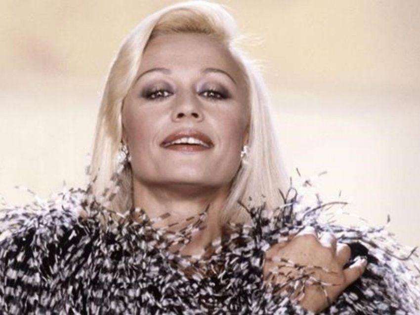 Las impactantes imágenes del funeral de Raffaella Carrà en Roma | MDZ Online
